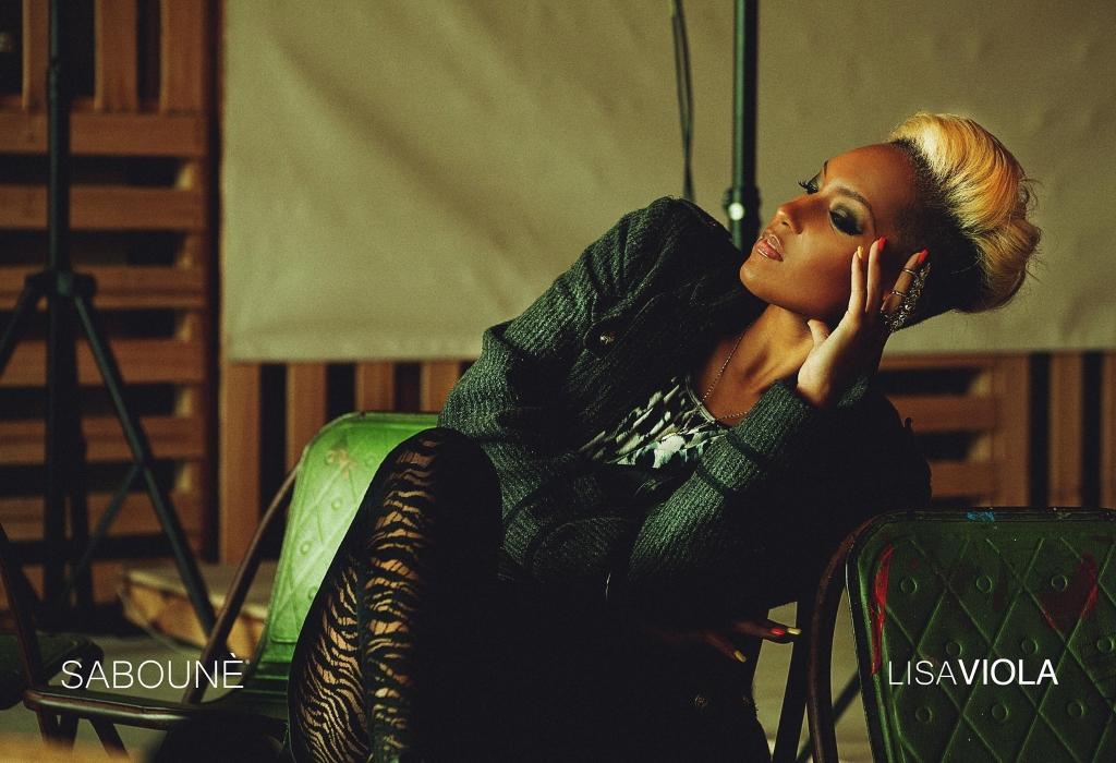 Australian raised Dancehall / Afro / Pop singer songwriter LISA VIOLA, has been busy making her mark around the globe.
